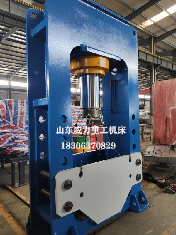 YW22-315T龙门式液压机