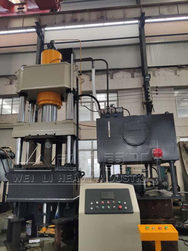 400吨热锻成型液压机