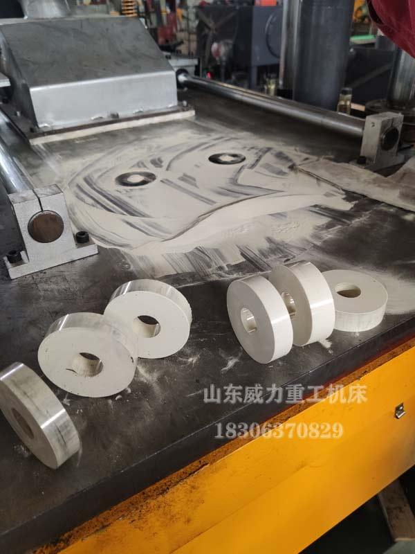 陶瓷粉末成型机压制样件