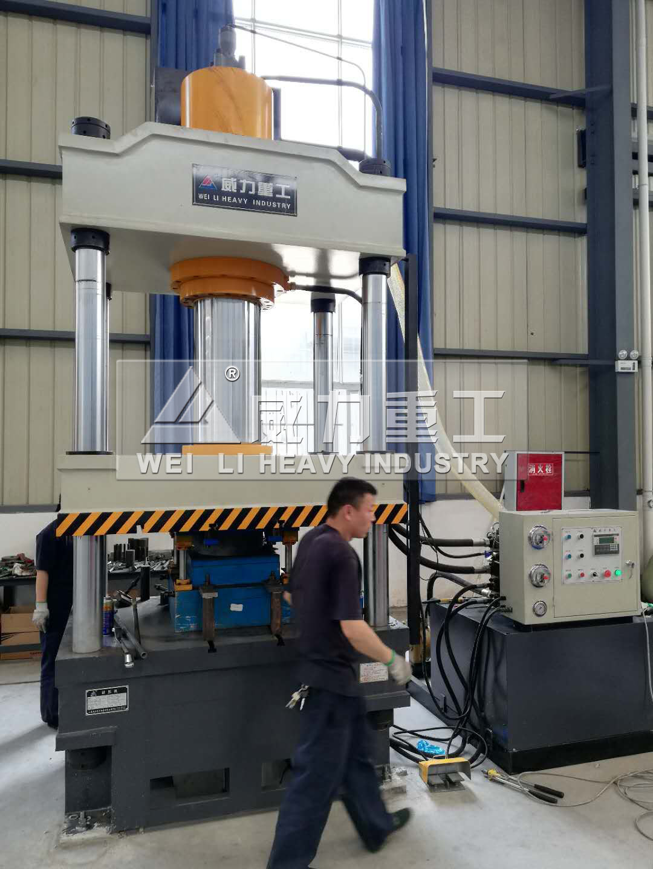 400吨不锈钢水箱板模压液压机